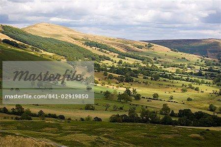 Hollins Cross und Lose Hill Grat, Castleton, Dark Peak, Peak-District-Nationalpark, Derbyshire, England, Vereinigtes Königreich, Europa