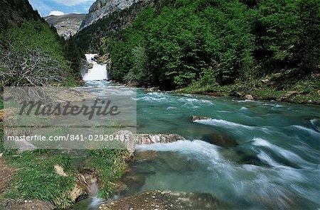 Gradas de Soaso, falls on the River Arazas, Ordesa National Park, Huesca, Pyrenees, Aragon, Spain, Europe
