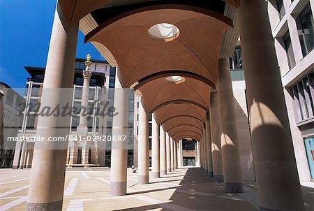 Arcade à Paternoster Square, près de la cathédrale de St. Paul, London, England, United Kingdom (Royaume-Uni), Europe