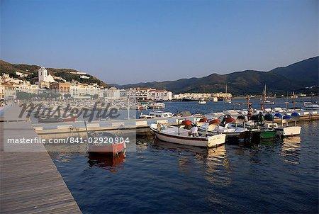 Le port dans la soirée, El Port de la Selva, Costa Brava, en Catalogne, en Espagne, Méditerranée, Europe