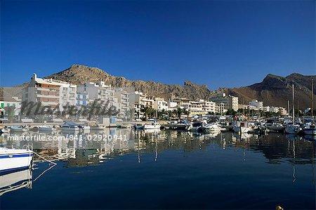 Harbour in the morning, Puerto Pollensa, Majorca, Balearic Islands, Spain, Mediterranean, Europe