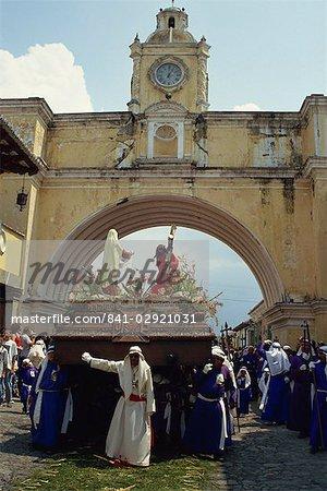 Anda passes arch, La Merced, Good Friday, Antigua, Guatemala, Central America