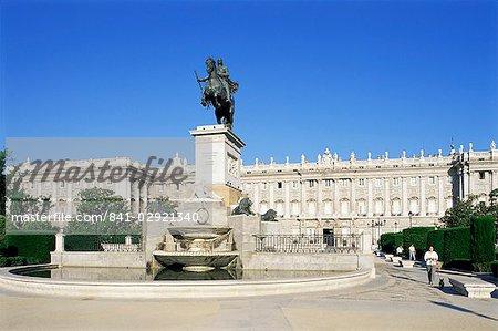 Plaza de Oriente et le Palacio Real, Madrid, Espagne, Europe