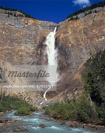 Les chutes Takakkaw, dans la vallée de la Yoho dans le Parc National de Yoho, dans le montagnes Rocheuses, UNESCO World Heritage Site, Colombie-Britannique, Canada, l'Amérique du Nord