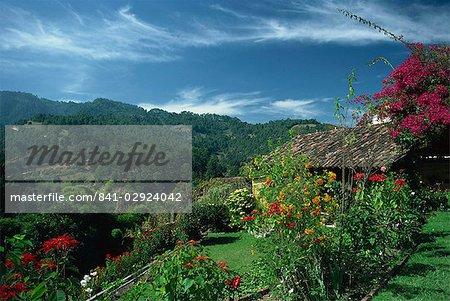 Paysage de collines à Chichicastenango, au Guatemala, Amérique centrale