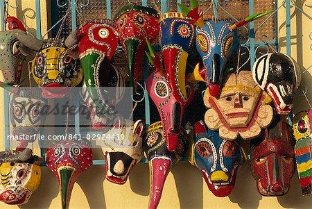Masques en bois, Panajachel, lac Atitlan, au Guatemala, Amérique centrale
