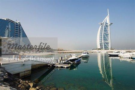 Jumeirah Beach Hotel et le Burj Al Arab Hotel, Dubai, Émirats Arabes Unis, Moyen-Orient