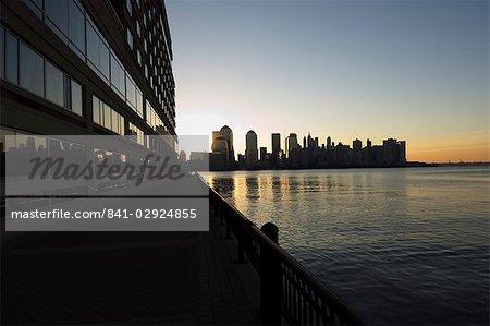 Skyline de Lower Manhattan de Jersey City, le fleuve Hudson, New York City, New York, États-Unis d'Amérique, Amérique du Nord