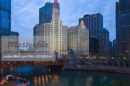 The Wrigley Building, center, North Michigan Avenue and Chicago River, Chicago, Illinois, United States of America, North America