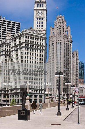 Le Wrigley Building et Tribune Tower, North Michigan Avenue, du Magnificent Mile, Chicago, Illinois, États-Unis d'Amérique, Amérique du Nord