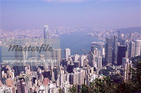 Skyline de l'île de Hong Kong et le port de Victoria, au-delà de Hong Kong, Chine, Asie