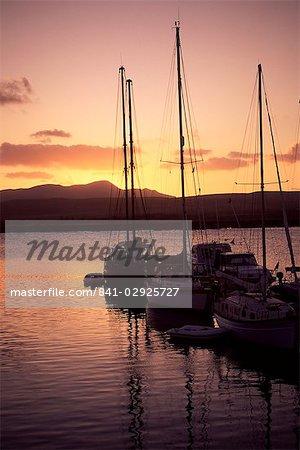 Yachts au coucher du soleil, Caleta de Fustes, Fuerteventura, îles Canaries, Espagne, Europe