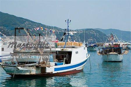 Navires dans la mer de la Riviera italienne, Santa Margherita Ligure, Gênes, Ligurie, Italie