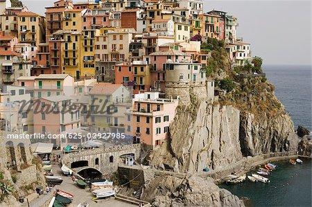 Bâtiments dans une ville, Riviera italienne, Cinque Terre, Manarola, La Spezia, Ligurie, Italie