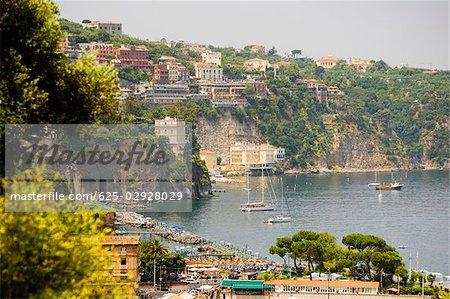 Ville à flanc de colline, Marina Grande, Capri, Sorrento, péninsule de Sorrente, Province de Naples, Campanie, Italie