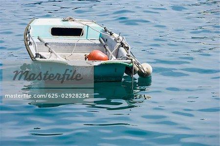 Bateau dans la mer, la Riviera italienne, Santa Margherita Ligure, Gênes, Ligurie, Italie