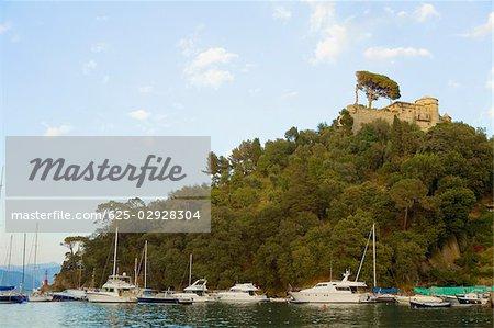 Bateaux dans la mer, la Riviera italienne, Portofino, Gênes, Ligurie, Italie
