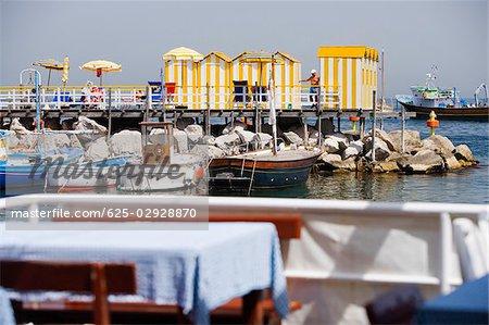 Stations touristiques au port de Marina Grande, Capri, Sorrento, péninsule de Sorrente, Province de Naples, Campanie, Italie
