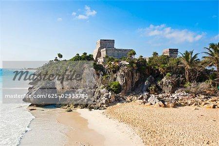 Ruins of a castle at the seaside, Zona Arqueologica De Tulum, Cancun, Quintana Roo, Mexico