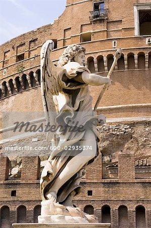 Statue, château Saint-Ange, Rome, Latium, Italie