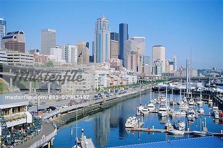 Front de mer et l'horizon de Seattle, état de Washington, États-Unis d'Amérique