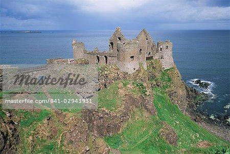 Dunluce castle, comté d'Antrim, Ulster, Irlande du Nord, Royaume-Uni, Europe