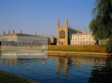 Punt on The Backs, River Cam, Kings College, Cambridge, Cambridgeshire, England, United Kingdom, Europe