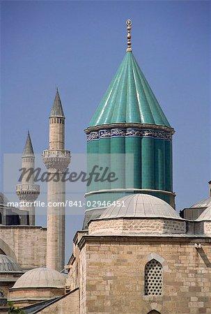 Dôme de tuile en tête un musée et le mausolée, Mevlana Turbe, Konya, Anatolie, Turquie, Asie mineure, l'Eurasie