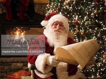 Santa claus vérifier sa liste