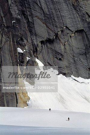 Grimpeurs approchent Ruth Glacier Denali Interior Alaska Parc National hiver