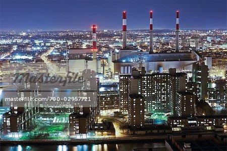 Roosevelt Island, Manhattan and Ravenswood Keyspan Power Plant, Queens, New York, New York, USA