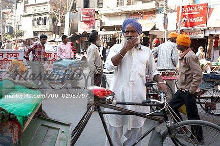 Zyklus Rickshaw Treiber in Amritsar, Punjab, Indien