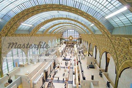 Le hall principal du Musée d'Orsay, Paris, France