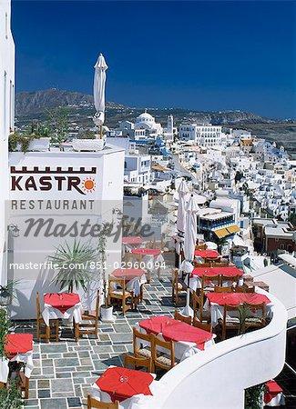 "Fira Taverna, """"Kastr Restuarant"""" signe, santorine, Cyclades, Grèce."