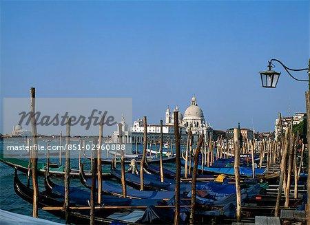 Gondoles, bassin Saint-Marc, Venise, Italie