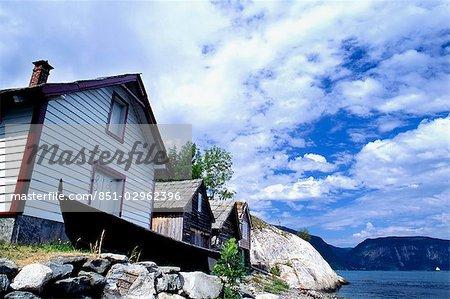 Bâtiments typiques, Utne, côte ouest, Fjords de Norvège