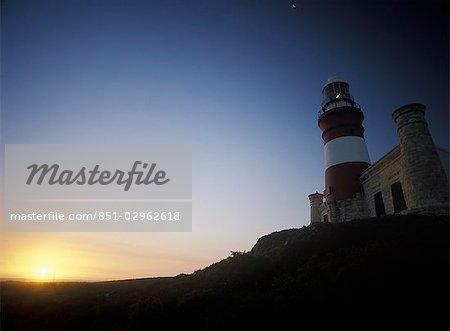 Phare du Cap des aiguilles au crépuscule, Western Cape, Afrique du Sud.