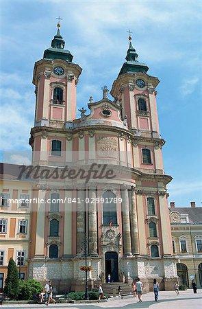 Église minorite de Saint Antoine, Dobo Istvan Ter place Eger, Hongrie, Europe