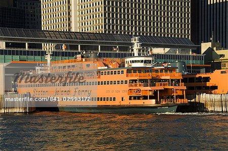 Staten Island Ferry, Business district, Lower Manhattan, à New York, New York, États-Unis d'Amérique, Amérique du Nord