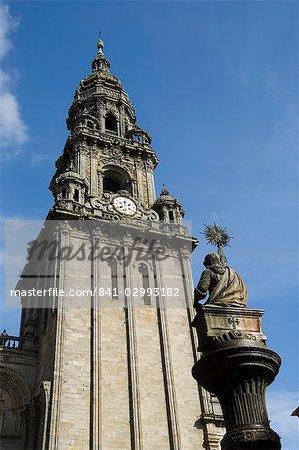 Vue sur la cathédrale de Santiago de la Plaza de Las Platerias, patrimoine mondial UNESCO, Saint Jacques de Compostelle, Galice, Espagne, Europe