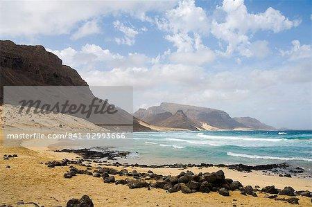 Plage déserte à Praia Grande, îles de Sao Vicente, Cap-vert, Afrique