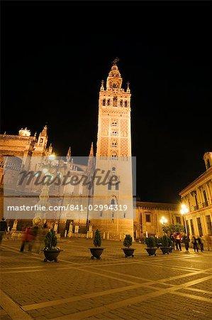 La Giralda and Seville Cathedral at night, Plaza Virgen de los Reyes, Santa Cruz district, Seville, Andalusia, Spain, Europe