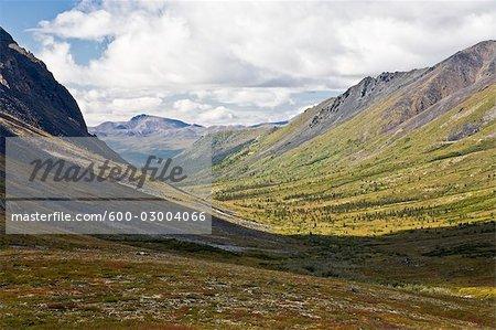 Vallée de la rivière pierre tombale, Parc Territorial de Tombstone, Yukon, Canada