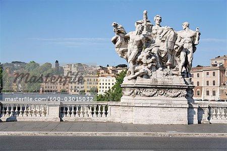 Statue sur le Ponte Vittorio Emanuele II, Rome, Italie