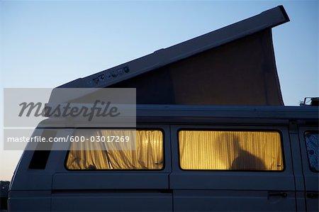 Silhouette de personne intérieur Camper
