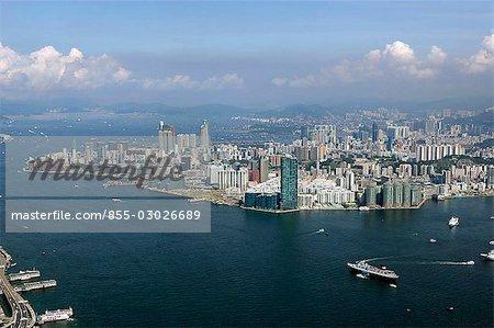 Vue aérienne du port de Victoria vers Kowloon, Hong Kong
