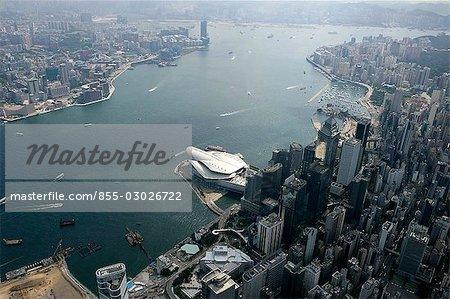 Vue aérienne sur le port de Victoria & de Wanchai, Hong Kong