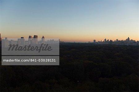 Vue sur Central Park, regardant vers le Nord, en Amérique du Nord État, États-Unis d'Amérique, Manhattan, New York, New York