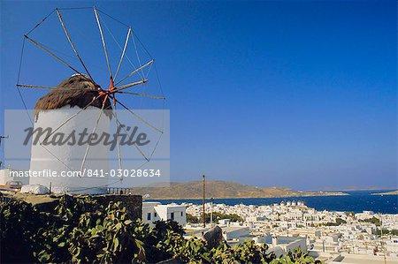 Vue depuis les moulins à vent supérieurs à Mykonos Town, Mykonos, Iles Cyclades, Grèce