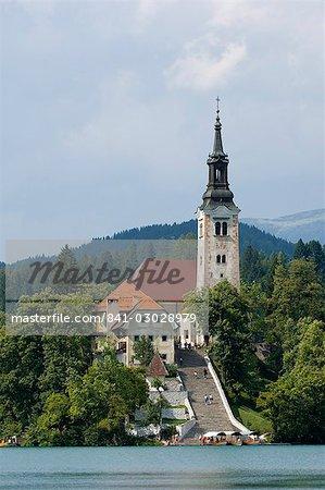 Lac de Bled et l'église Sainte-Marie de l'Assomption, Slovénie, Europe